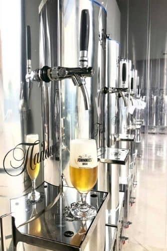 johnnies-beer-2